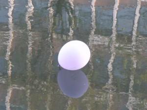 Ballon-exposition-autiste-artite-Karim-TATAI-Strasbourg