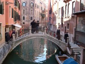 petit_pont-Regard-brut-sur-Venise-Karim-TATAI-Strasbourg