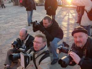 les photographes au bord de la lagune au petit matin