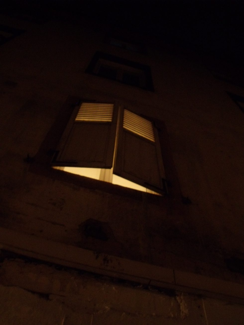 fenêtre-autiste-artiste-Karim-TATAI-Strasbourg