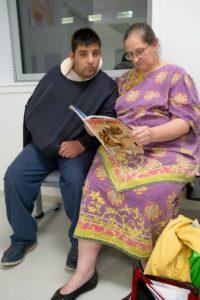 Karim-autiste-bras-cassé-opération