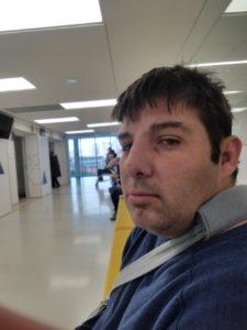 Karim pas rassuré dans la salle d'attente